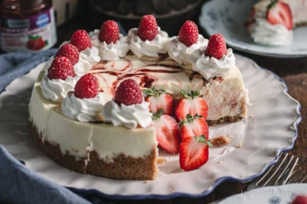 keto strawberry swirl cheesecake