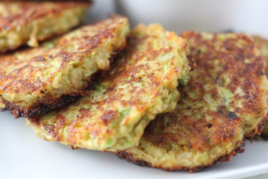 keto broccoli fritters