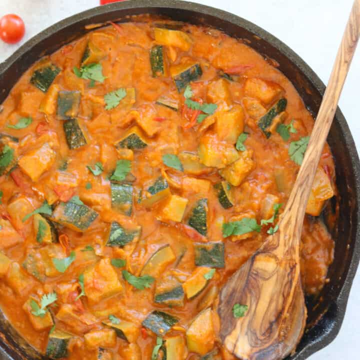 Zucchini Curry with Tomatoes- Vegan, Paleo, Keto