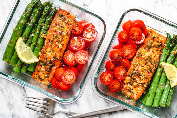 15-Minute Meal-Prep Salmon and Asparagus in Garlic Lemon Butter Sauce