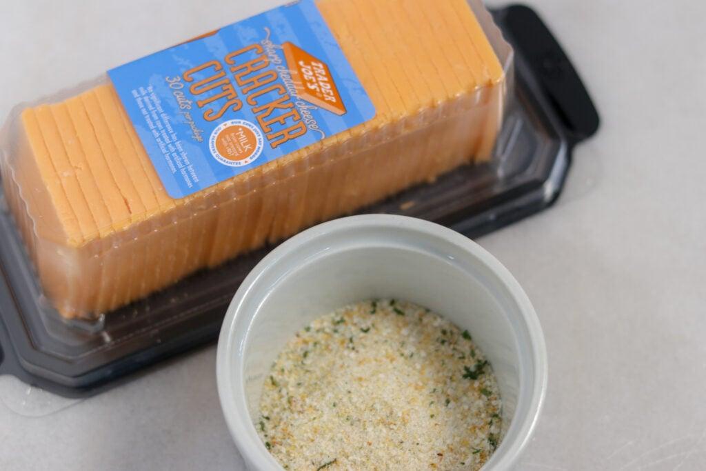keto cheese crackers sliced cheese
