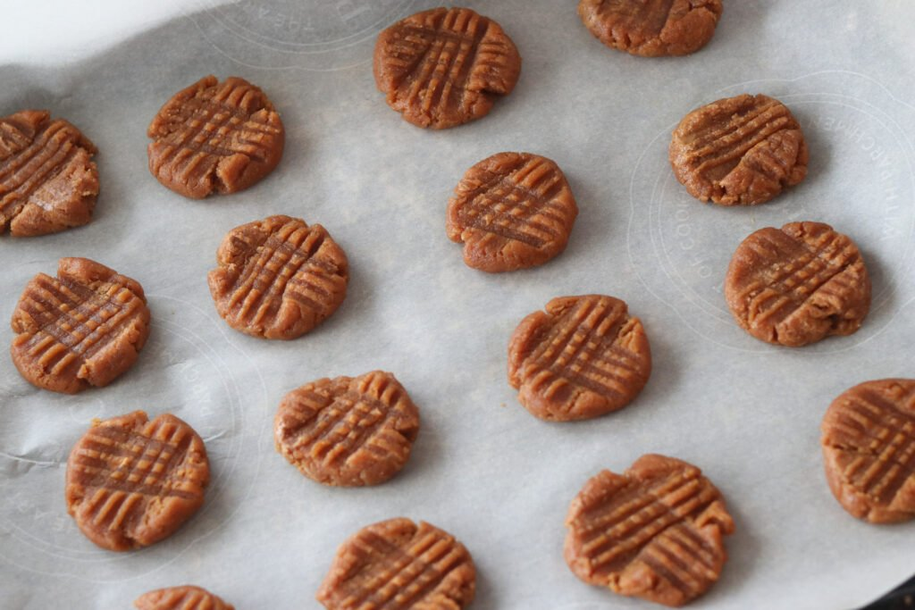 peanut butter cookies keto