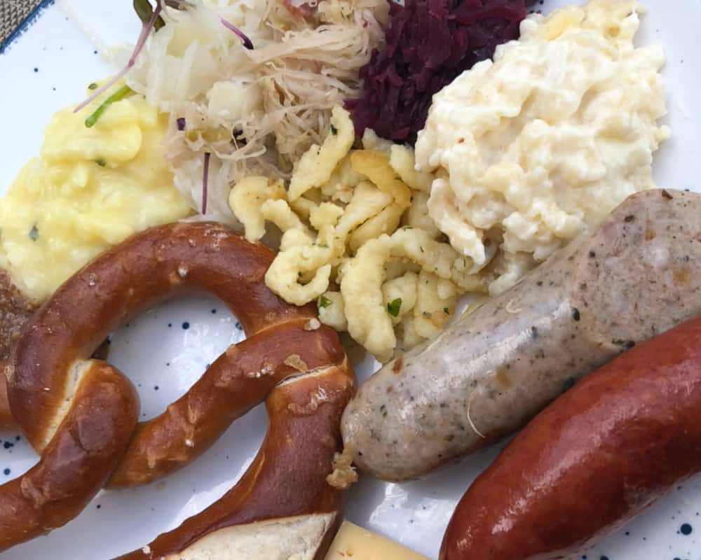 what-to-serve-with-bratwurst