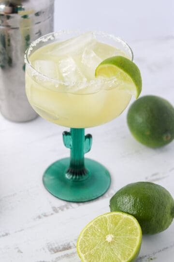 low carb margarita in a glass on the rocks