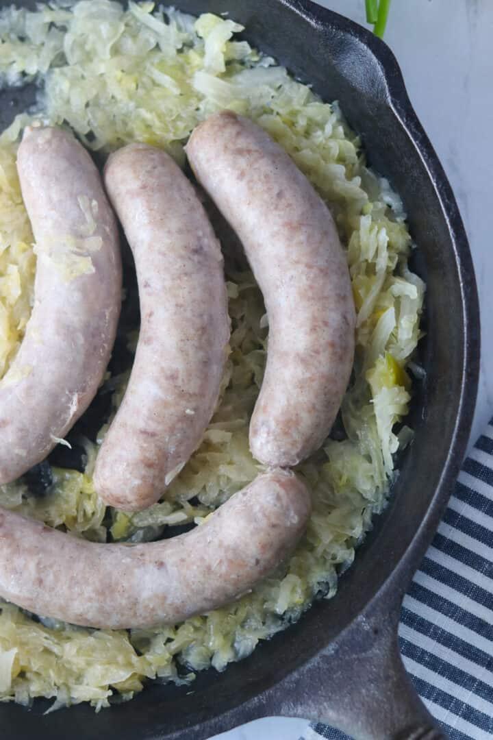 boiling bratwurst