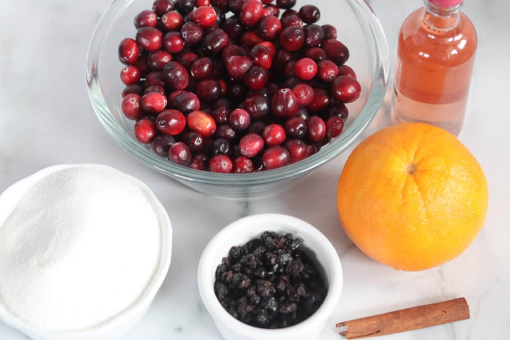 image of what's in cranberry sauce with orange