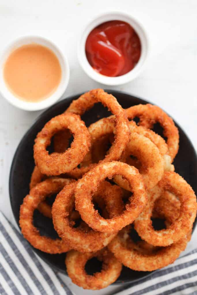 the frozen onion rings in air fryer recipe after cooking with sauces