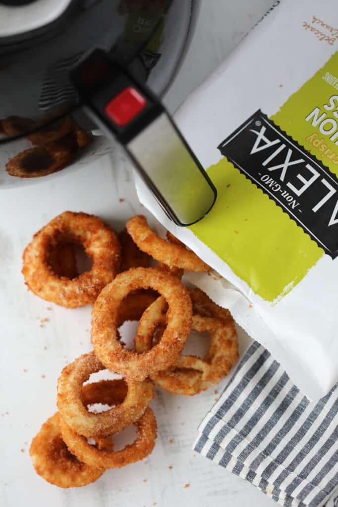 onion rings in air fryer ingredients before cooking