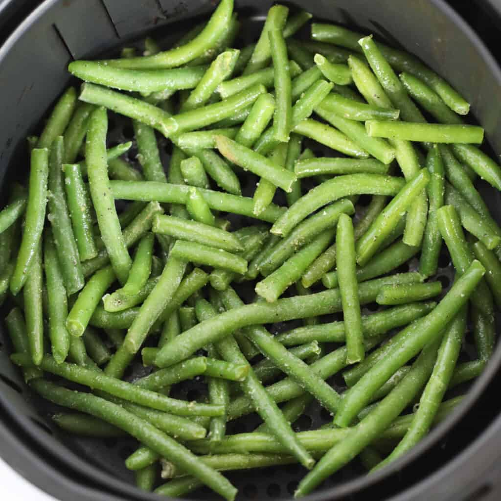making frozen crispy green beans in an air fryer is quick and easy