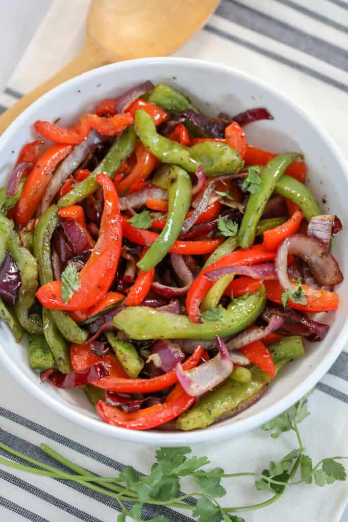 air fryer bell peppers in a white serving bowl