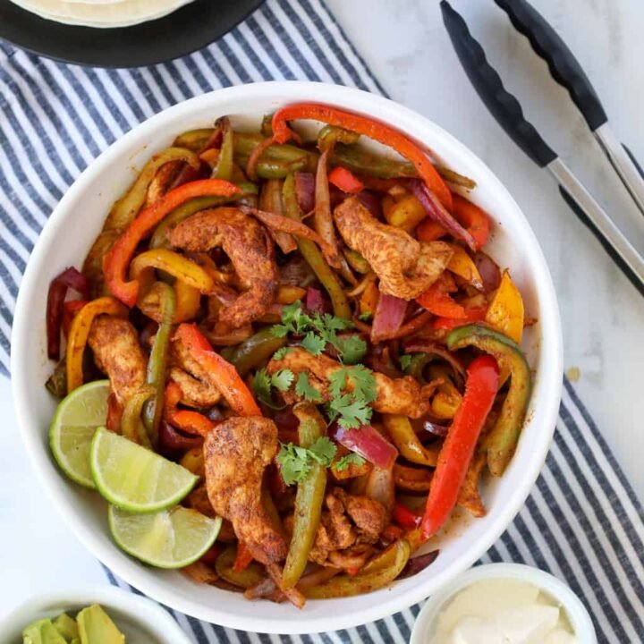 air fryer fajitas with chicken and peppers