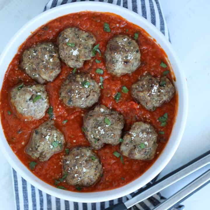 juicy meatballs air fryer recipe in tomato sauce